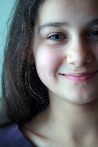girl-609712_1280-200x300